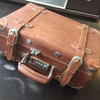 Vintage looking small luggage bag hand bag