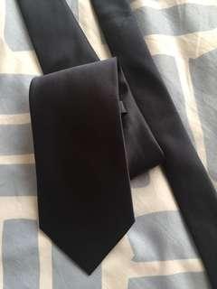 Silky Tie