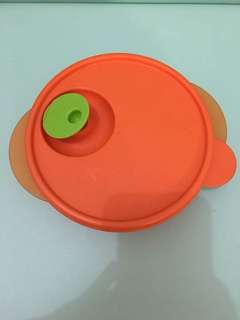 Kotak makan Tupperware orange microwave