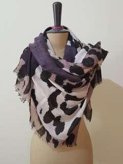 Yelle scarf