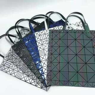 BAOBAO Issey Miyake 三宅一生新款幾何圖案購物袋,立體感強,絢麗多彩,尺寸:40*40cm