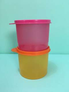 Kotak tupperware