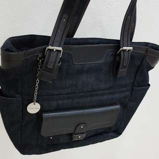 Authentic Calvin Klein Tote Like New Condition