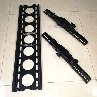 """Tilting Wall Mount for Large Flat Panel TVs (30"""" to 50"""")"""