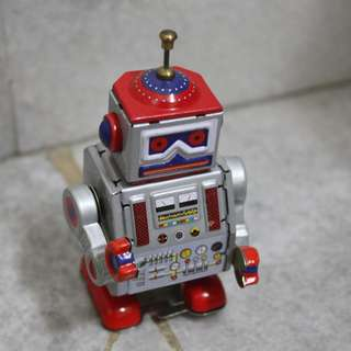 BUY 2ND AT RM75!! PROMO SALE!!! 1950's WIND-UP TIN ROBOT!!!!