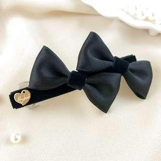 🚚 Handmade black velvet hair bow clip, black hair clip for work, black bow for school, black bow barrette, gothic hair clip, elegant hair clip