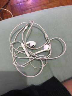 Iphone 6 earphones