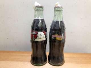 可口可樂美國紀念瓶兩支 品相良好,瓶蓋無銹