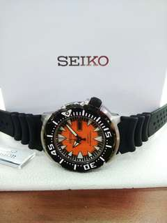 Seiko orange monster srp315J