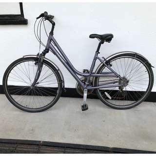 """Ladies Raleigh Pioneer-2 Hybrid 18"""" (45cms) Bicycle"""