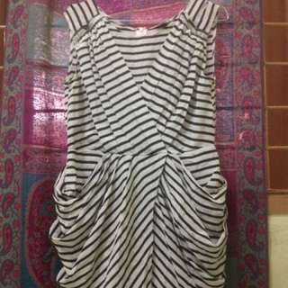 Dress Emporio Armani (New look)