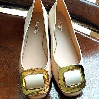 🚚 Elegant plastic shoes for rainy days