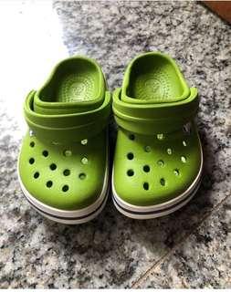 Sandal enak dipake
