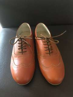 Rob & Mara Leather Brogues (Tan)