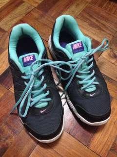 Authentic Nike Revolution 2