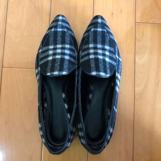 Charles & Keith 格仔尖頭平底鞋 Flats with checked pattern