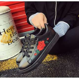 embroidery rose sneaker