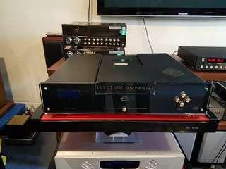 Electrocompaniet EMC 1 24bit top loading cdp