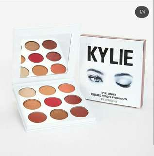 🔅Kylie Burgundy Eyeshadow Palette