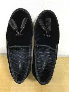 現貨 9.9 成新Zara 天鵝絨莫卡新鞋 休閒鞋,花童鞋,搭配西裝.鞋內約19 公分.