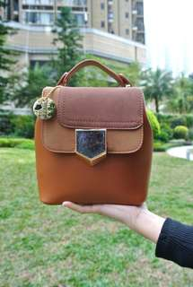 代理T.U. Handbag Korea Style Brown and handback 韓系 女裝 手袋 女包 2用袋 背包 型格 啡色 輕便易襯 207