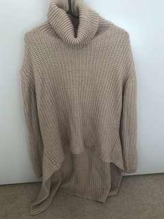 Turtle neck beige long sleeve sweater (Knit wear)