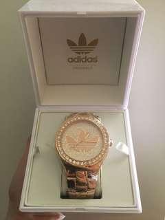 Adidas 金色全球限量版手錶
