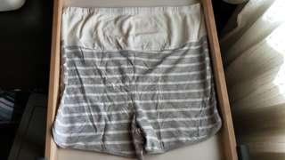 🚚 二手Lativ 孕婦短褲/可調腰圍 XL號