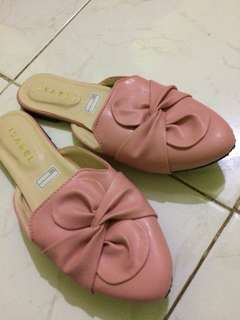 For sale!!! Take all only 100.000 flatshoes and sandals