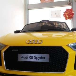 兒童電動車 Audi