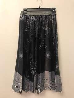 Initial skirt