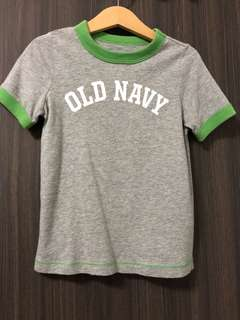 Old Navy Basic Tee in Grey w Green Trim - Size 3T