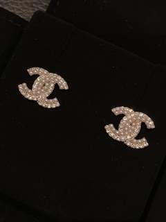 Chanel 水鑽珍珠耳環