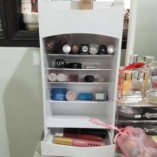 Makeup storage / tempat lipstik kutek