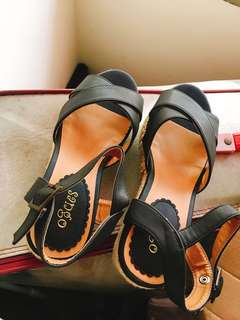 🚚 黑色綁帶羅馬涼鞋