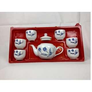 🚚 老師傅的用心 收藏品割愛出售 花系列茶壺茶杯組