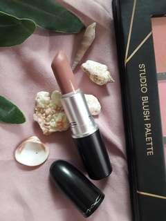 MAC matte lipstick + FREE BLUSH PALETTE