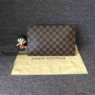 💯% Authentic Pre-loved LV Clutch