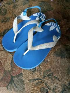 more photos 19257 4313f Original adidas slippers size 9c