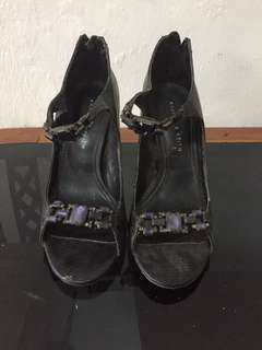 Charles and keith sz 36