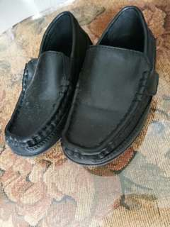 Payless black shoes size 9