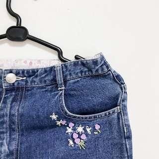 🚚 九成新 日本 日系風格刺繡小花 質感牛仔褲