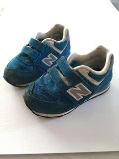 [readystock] USED New Balance Kids Shoes (UK6)
