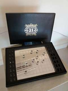 Scotch Whisky 紀念版水晶象棋一套