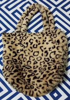 Fluffy Leopard tote