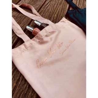 🚚 OPI 緞面購物袋