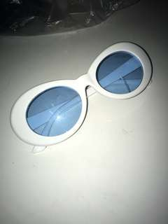 Cobain blue tint glass