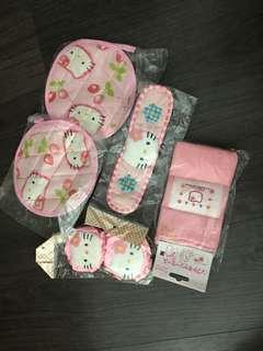 new Hello kitty pink 家庭用品 五件裝 有隔熱墊,眼罩, 門套,水樽袋 set of 5