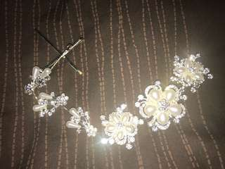 Diamond and Pearl Flower Hair Accessories