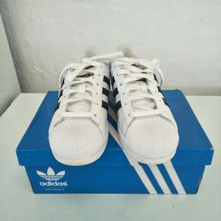 Adidas original superstars size 6.5
